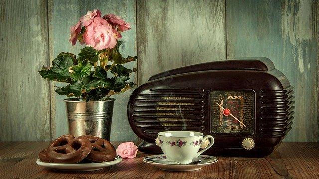 old-school rádio.jpg