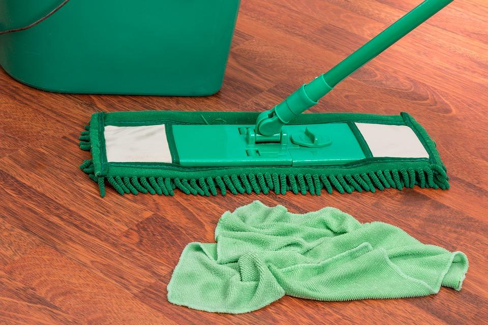 umývání podlahy